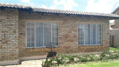 Centurion, Heuwelsig Estate Property  | Houses For Sale Heuwelsig Estate, Heuwelsig Estate, Townhouse 3 bedrooms property for sale Price:1,000,000