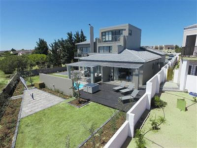 Property and Houses for sale in Country Club, House, 4 Bedrooms - ZAR 3,450,000