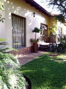 Property and Houses for sale in Pebble Rock Golf Village, House, 3 Bedrooms - ZAR 3,050,000