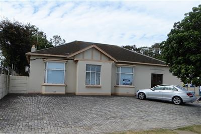 Property and Houses to rent in Eastern Cape, Commercial - ZAR , 18,00*,