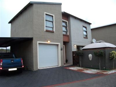 Rustenburg, Waterkloof East Property  | Houses For Sale Waterkloof East, Waterkloof East, Townhouse 3 bedrooms property for sale Price:1,300,000