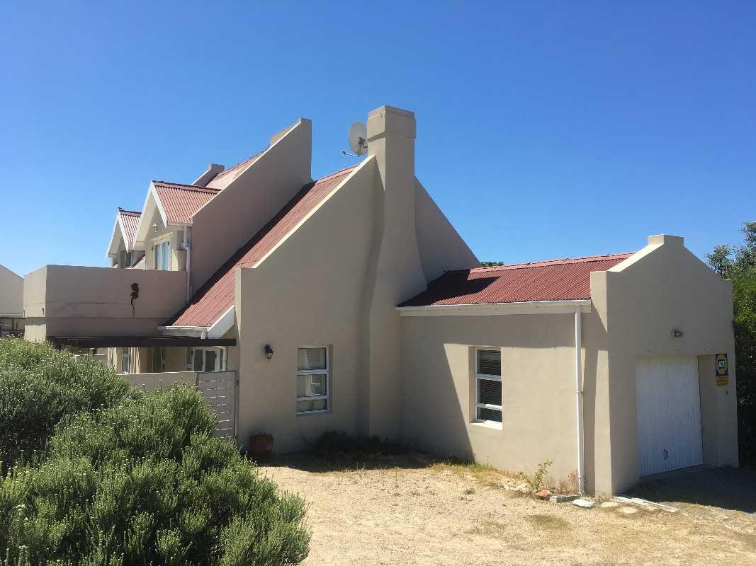 Opportunity awaits! Large spacious 4 bedroom home