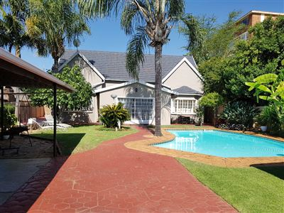 Property and Houses for sale in Rietfontein, House, 5 Bedrooms - ZAR 2,100,000