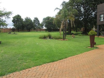 Raslouw property for sale. Ref No: 13584178. Picture no 16