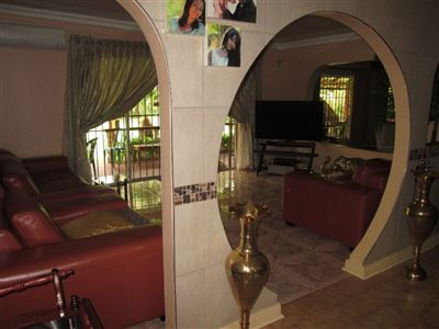 Raslouw property for sale. Ref No: 13584178. Picture no 5