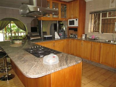 Raslouw property for sale. Ref No: 13584178. Picture no 6