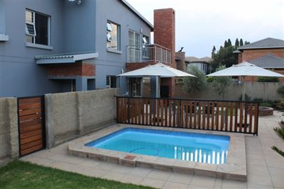 Property and Houses for sale in Rietvalleirand, House, 3 Bedrooms - ZAR 2,350,000