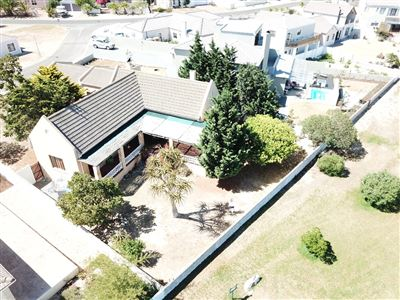 House for sale in Country Club