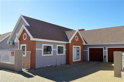 Bloemfontein, Lilyvale Property  | Houses For Sale Lilyvale, Lilyvale, Townhouse 3 bedrooms property for sale Price:1,599,000