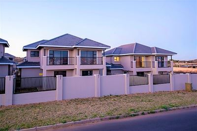 Townhouse for sale in Lilyvale
