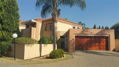 Townhouse for sale in Eldoraigne
