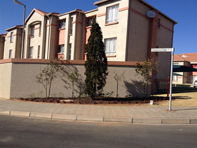 Johannesburg, Ormonde View Property  | Houses For Sale Ormonde View, Ormonde View, Apartment 2 bedrooms property for sale Price:680,000