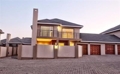Bloemfontein, Lilyvale Property  | Houses For Sale Lilyvale, Lilyvale, Townhouse 3 bedrooms property for sale Price:1,870,000