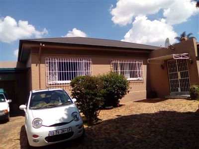 Johannesburg, The Hill Property  | Houses For Sale The Hill, The Hill, House 3 bedrooms property for sale Price:1,100,000