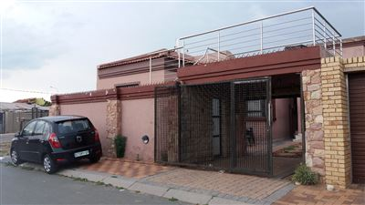 Soweto, Meadowlands Zone 6 Property  | Houses For Sale Meadowlands Zone 6, Meadowlands Zone 6, House 5 bedrooms property for sale Price:900,000