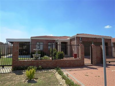 Brackenfell, Protea Heights Property  | Houses For Sale Protea Heights, Protea Heights, House 3 bedrooms property for sale Price:2,195,000
