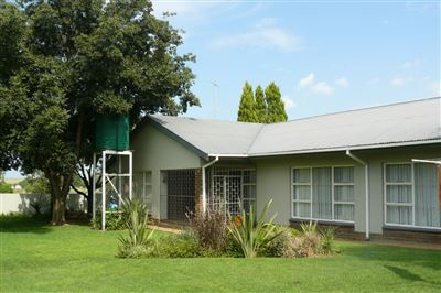Property and Houses for sale in Vredefort, House, 3 Bedrooms - ZAR 756,000