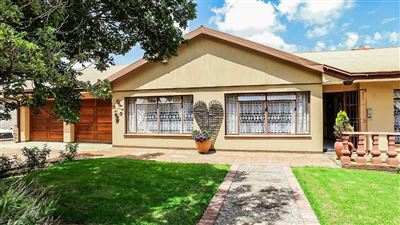 Bloemfontein, Fichardt Park Property  | Houses For Sale Fichardt Park, Fichardt Park, House 4 bedrooms property for sale Price:1,465,000