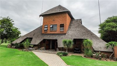 Kameelfontein property for sale. Ref No: 13586763. Picture no 2