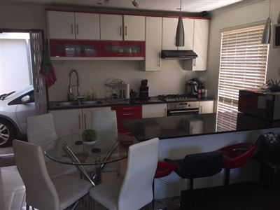 Rondebosch East property for sale. Ref No: 13590608. Picture no 2