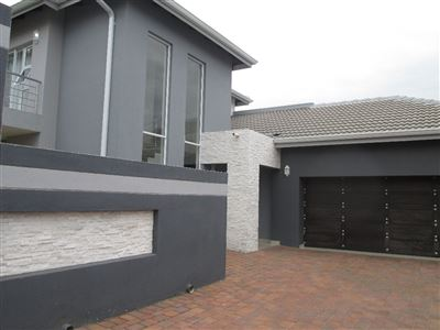 Property and Houses for sale in Centurion, House, 4 Bedrooms - ZAR 2,900,000
