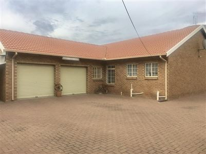 Witbank, Reyno Ridge & Ext Property  | Houses To Rent Reyno Ridge & Ext, Reyno Ridge & Ext, Townhouse 2 bedrooms property to rent Price:,  7,70*