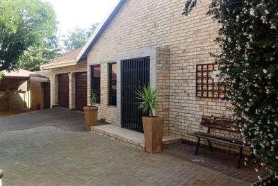 Bloemfontein, Pellissier Property    Houses For Sale Pellissier, Pellissier, House 4 bedrooms property for sale Price:2,450,000