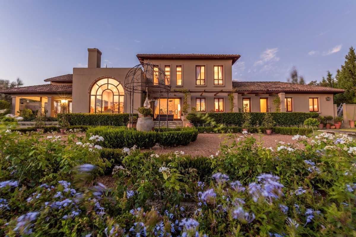 Tuscan villa in the Cape Winelands