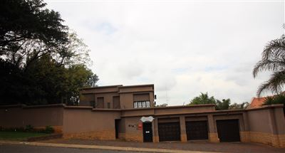 Property and Houses for sale in Moreleta Park, House, 5 Bedrooms - ZAR 2,950,000