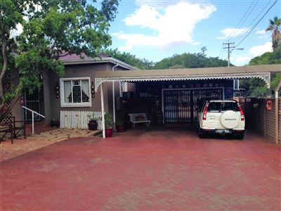 House for sale in Dan Pienaar