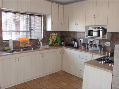 Property and Houses for sale in Windsor Park Estate, House, 3 Bedrooms - ZAR 1,599,000