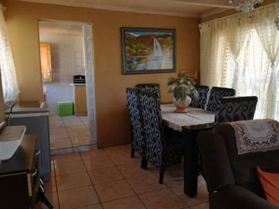 Property and Houses for sale in Soshanguve, House, 3 Bedrooms - ZAR 595,000
