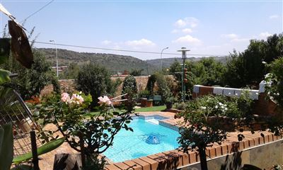 Winchester Hills property for sale. Ref No: 13594674. Picture no 6