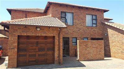 Pretoria, Willow Park Manor Property  | Houses For Sale Willow Park Manor, Willow Park Manor, Townhouse 3 bedrooms property for sale Price:1,399,000