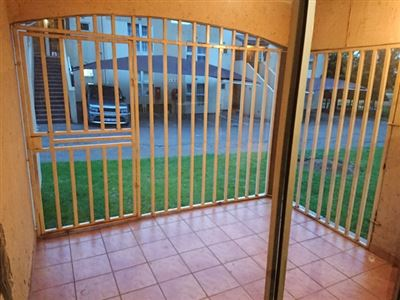 Johannesburg, Meredale Property  | Houses To Rent Meredale, Meredale, Townhouse 2 bedrooms property to rent Price:,  6,00*