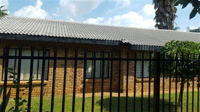 Property and Houses for sale in Doornpoort, House, 4 Bedrooms - ZAR 1,300,000