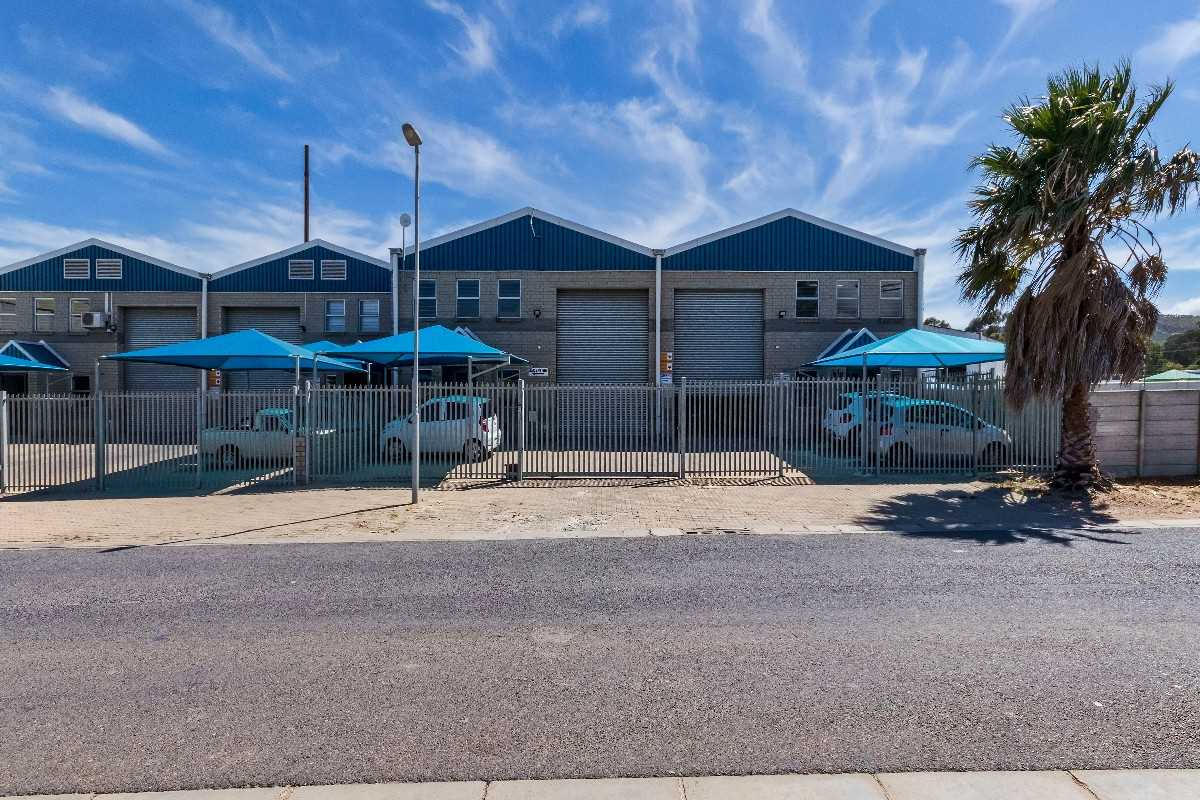 Immaculate Industrial Unit and Office Space in Strand