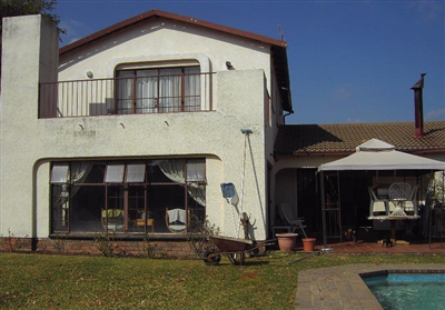 Property and Houses for sale in Laezonia, House, 6 Bedrooms - ZAR 2,900,000