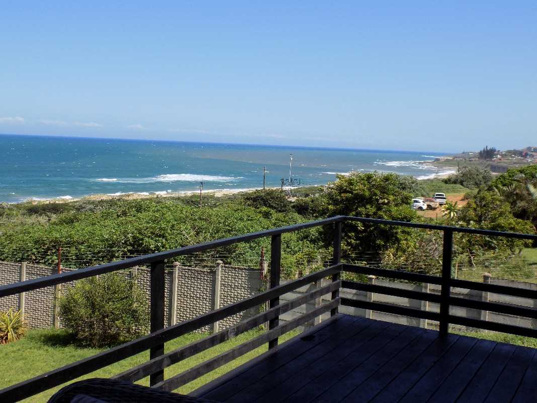 Magnificent sea views from the deck and bedrooms !!