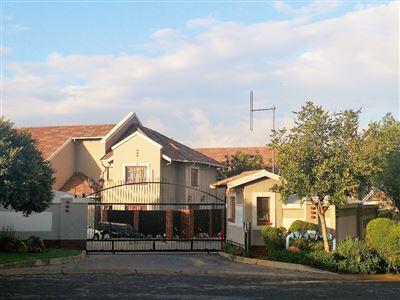 Alberton, Meyersdal Property  | Houses To Rent Meyersdal, Meyersdal, Townhouse 3 bedrooms property to rent Price:,  8,00*