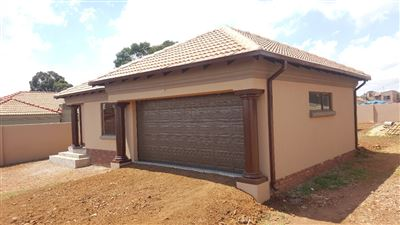 Property Katlehong : Houses For Sale Katlehong (All), Spruit View, House 4 bedrooms property for sale Price:1,395,000