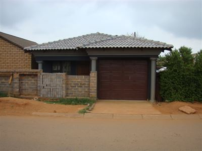 Property and Houses for sale in Refilwe, House, 2 Bedrooms - ZAR 750,000