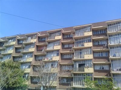 Property and Houses for sale in Pretoria Central, Apartment, 1 Bedrooms - ZAR 300,000