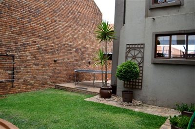 Amberfield Crest Estate property for sale. Ref No: 13599162. Picture no 21