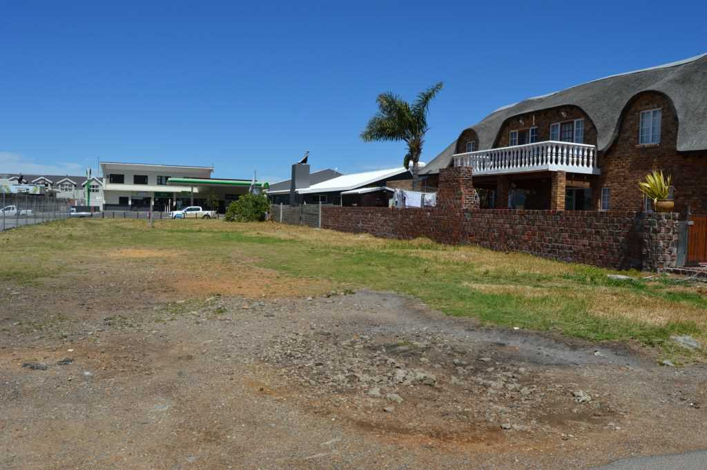 Large vacant Stand for Sale in Kleinmond CBD
