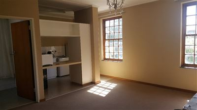 Grahamstown Cbd property to rent. Ref No: 13248552. Picture no 2