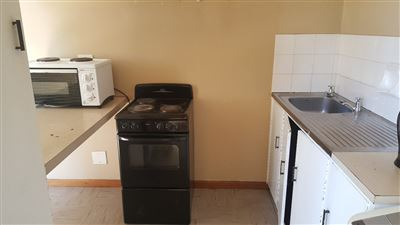 Grahamstown Cbd property to rent. Ref No: 13248552. Picture no 4