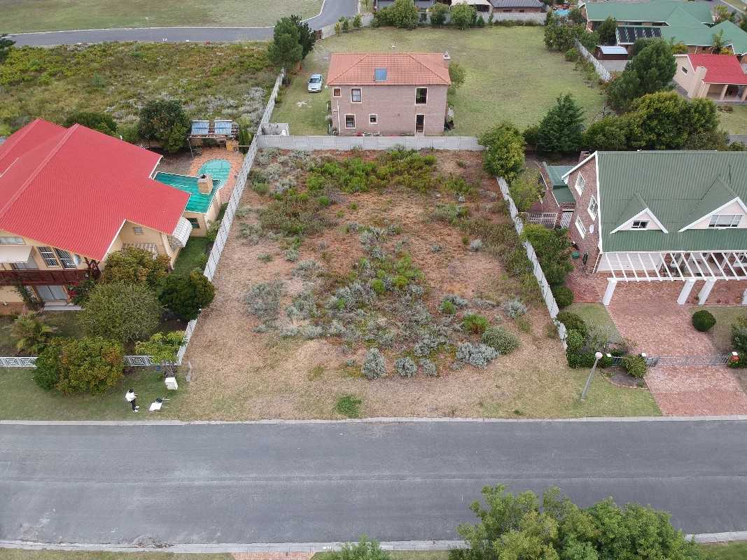 Vacant Level Plot in Heuningkloof
