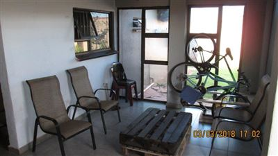 Property and Houses for sale in Tokoza, House, 2 Bedrooms - ZAR 650,000