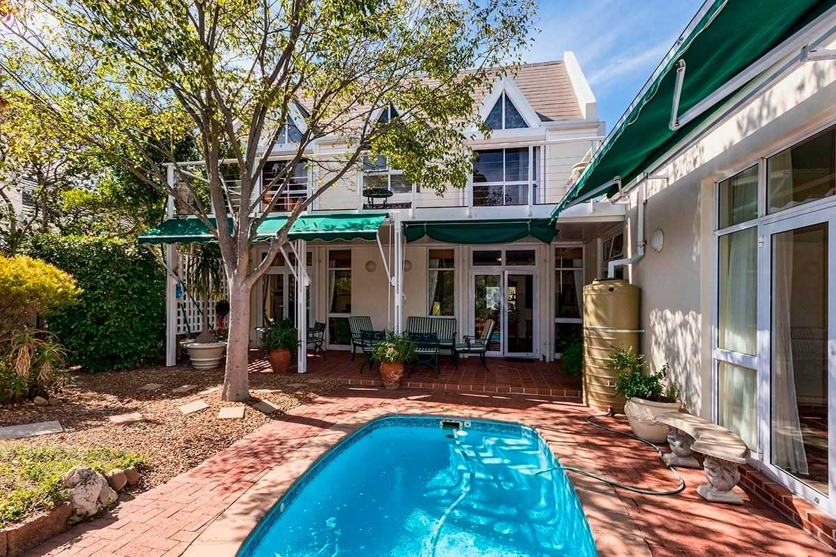 Country Charm on Landdrostkop Drive, Erinvale, Somerset West